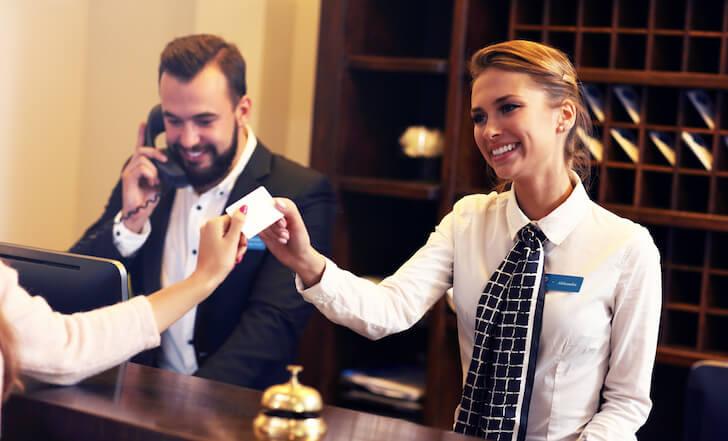ホテルでクレジットカードのデポジット