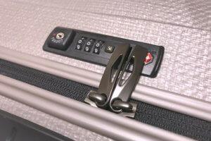 スーツケースのTSAロック