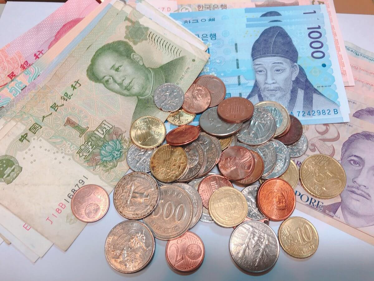 中国の紙幣とコイン