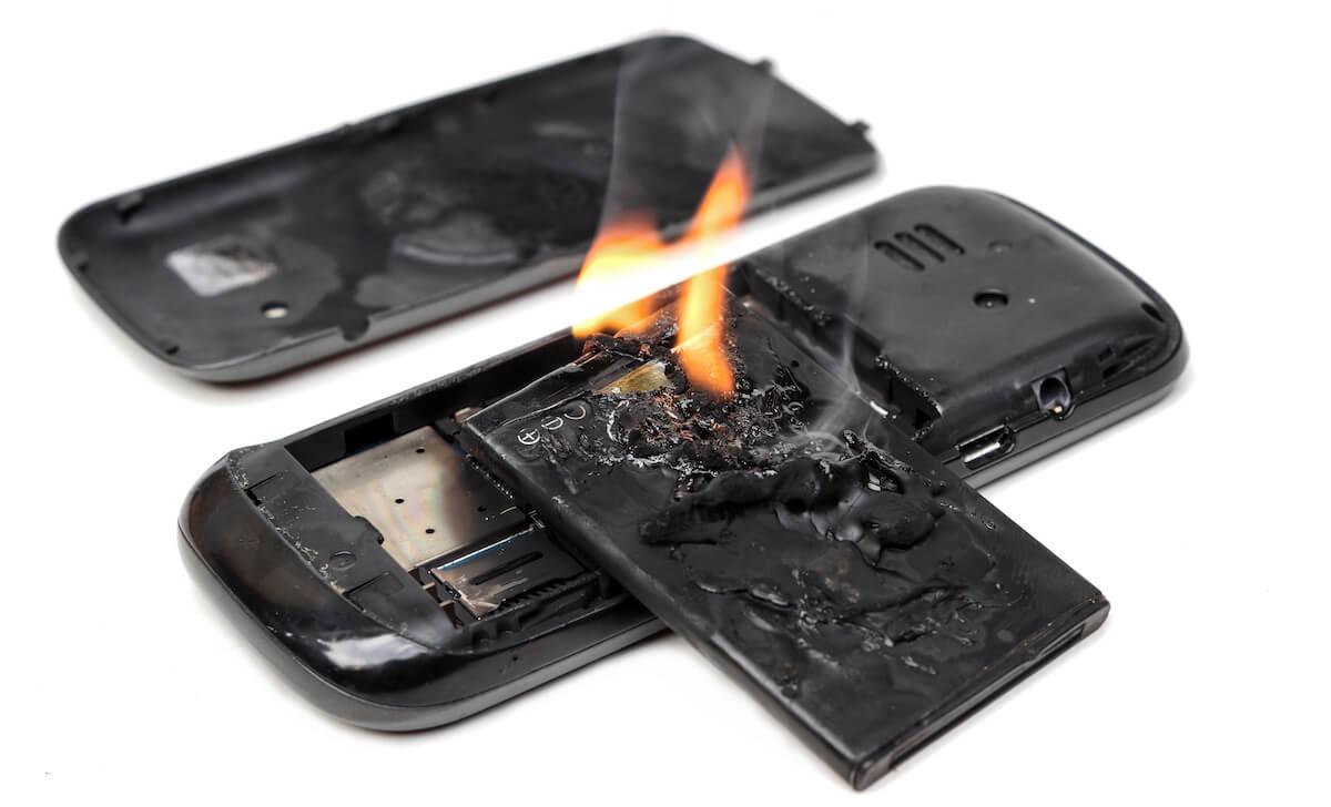 発火するリチウムイオン電池