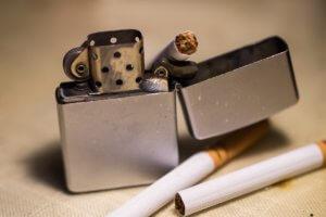 ライターとタバコ